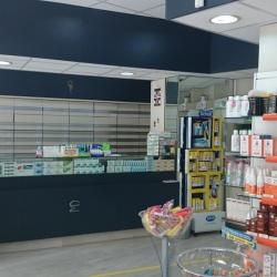 Farmacia con cassettiere frontali